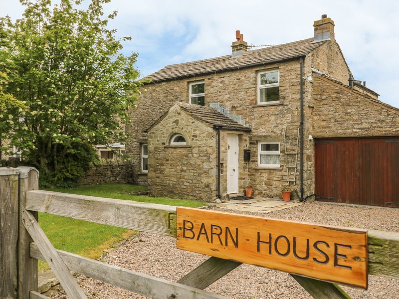 BARN HOUSE, woodburning stove, near West Burton, vacation rental in West Burton