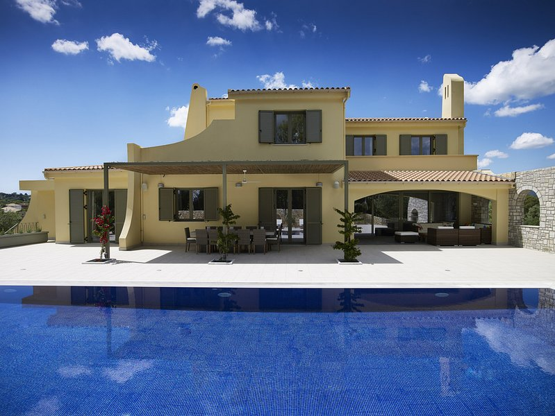 Villa Leonidas, vacation rental in Gouvia