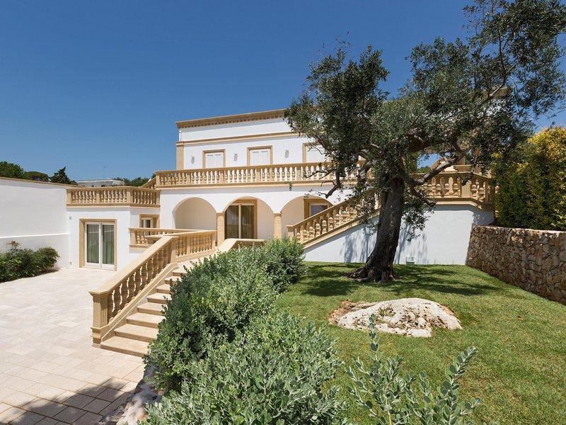 Sant'Agata Villa Sleeps 12 with Pool Air Con and WiFi - 5248095, vacation rental in Parabita