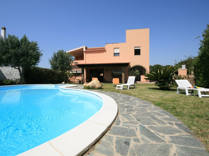 Santa Luria Villa Sleeps 8 with Pool Air Con and WiFi - 5248053, vacation rental in Capitana