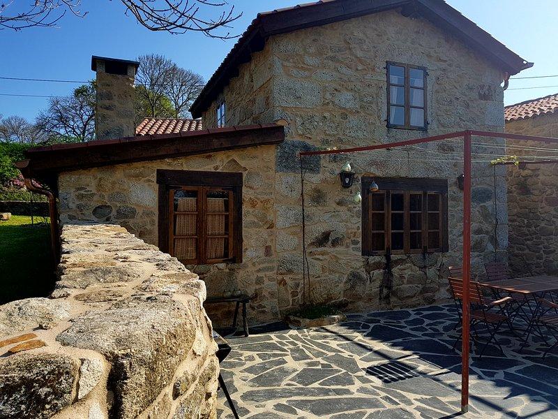Casita Naranja - Casa rural en Ribeira Sacra, location de vacances à San Pedro