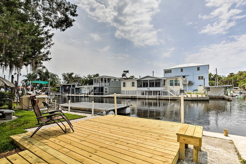 Homosassa Riverfront Home w/Boat Ramp+Docking, holiday rental in Homosassa Springs
