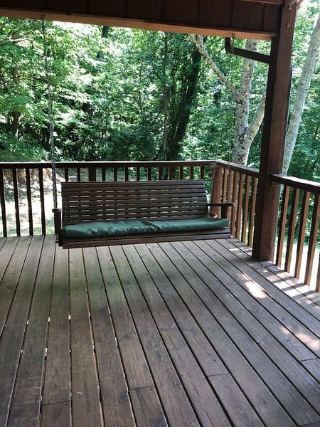 Secluded Mtn Retreat, holiday rental in Pisgah Forest