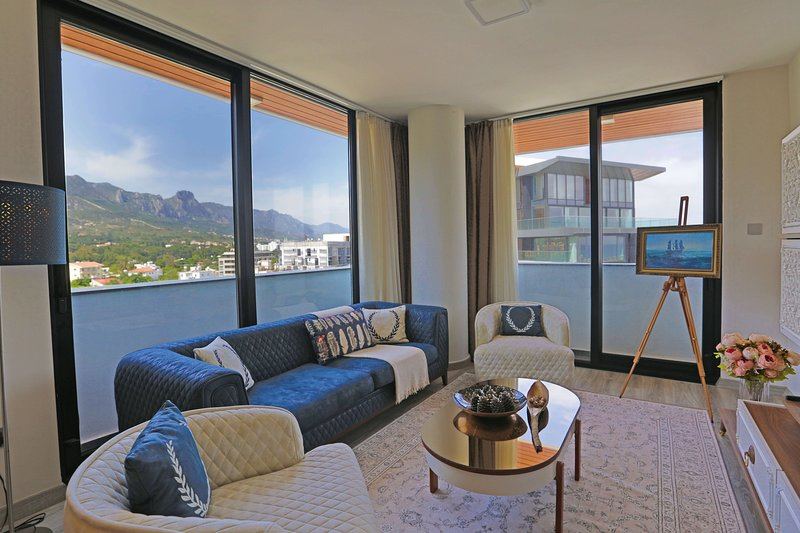 5* Magic Plus Apartment with Luxury Facilities, location de vacances à Kyrenia