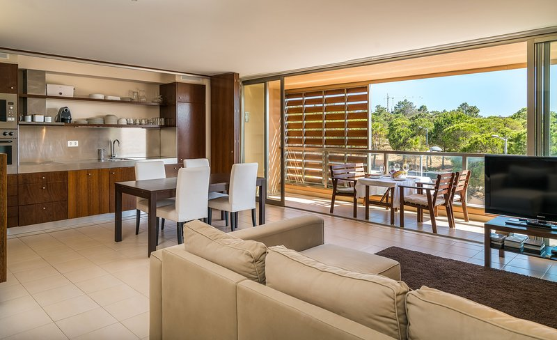 Holiday apartment with golf nearby in Albufeira, vacation rental in Albufeira