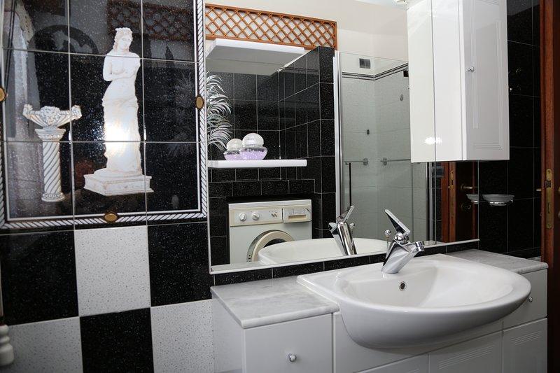 Luxoriöses Appartement, holiday rental in Marina Velca
