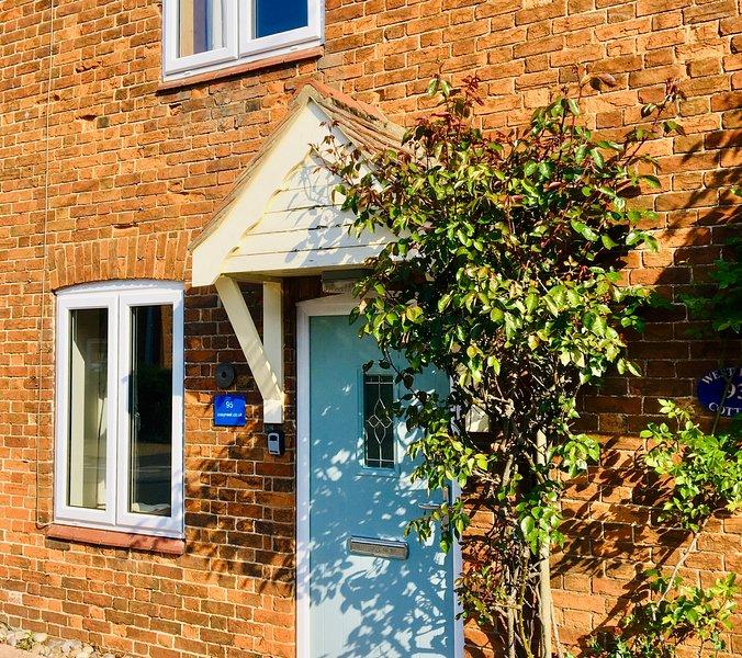 Cosy Nest Cottage - Snettisham Village, holiday rental in Dersingham