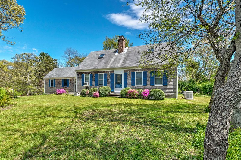 Eastham Cape Cod Home Near Nauset Light Beach!, vacation rental in North Eastham
