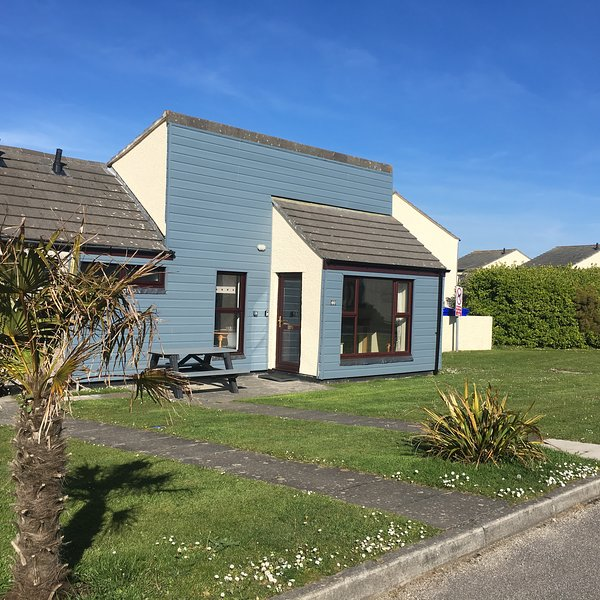 Lovely modern spacious bungalow  ....  set in lots of gardens and grounds