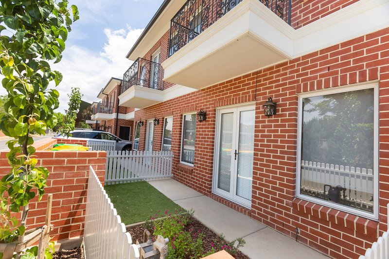 4 Bedroom Inner City Townhouse, sleeps 9!, casa vacanza a Wagga Wagga