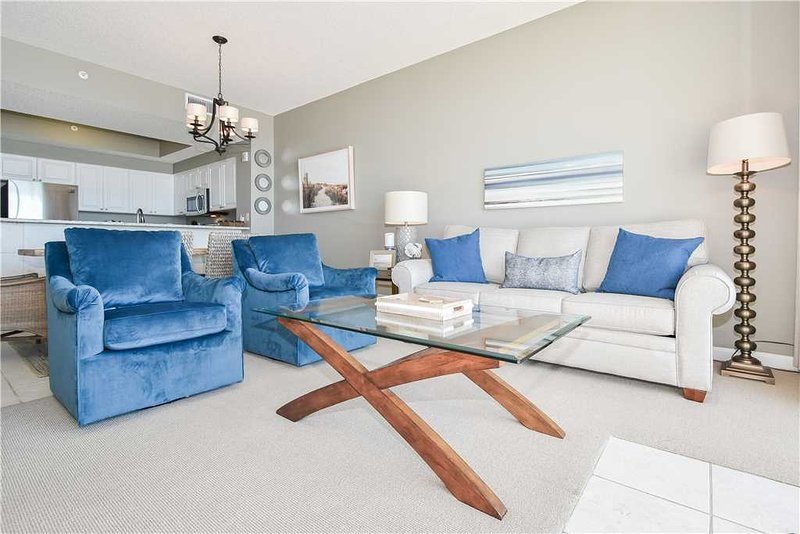 Newly redecorated in 2019 with beach chic decor. New queen sleeper sofa.