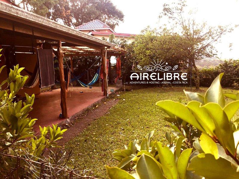 Habitacion Acogedora cerca del Lago Arenal - Cozy Room near to Arenal Lake, alquiler de vacaciones en Aguacate