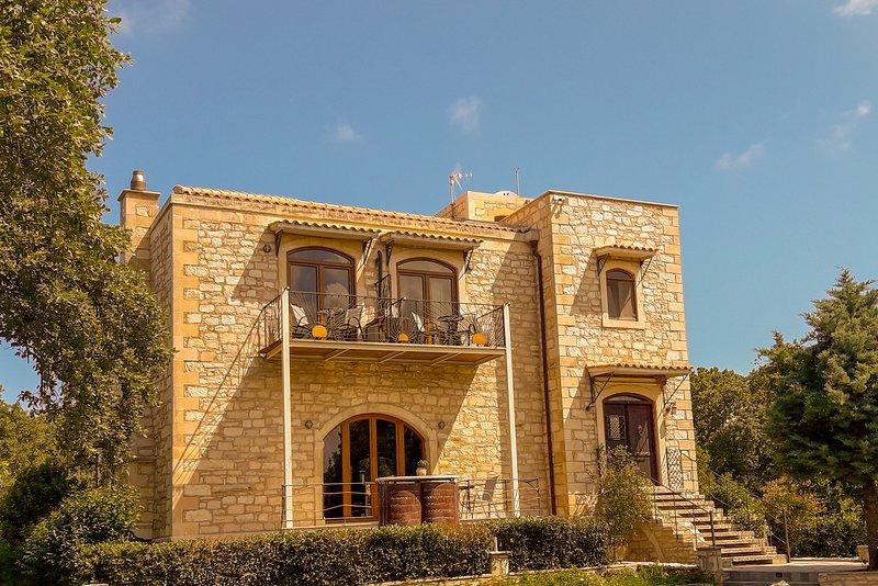 Villa Ermis - The Cretan Castello, alquiler vacacional en Rethymnon