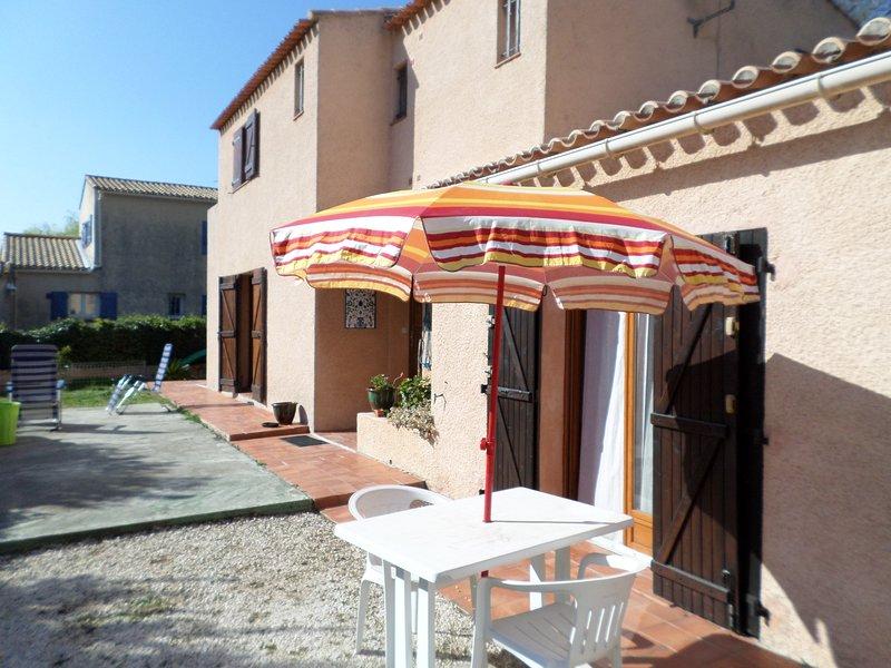 Beautiful studio with terrace, location de vacances à La Valette-du-Var