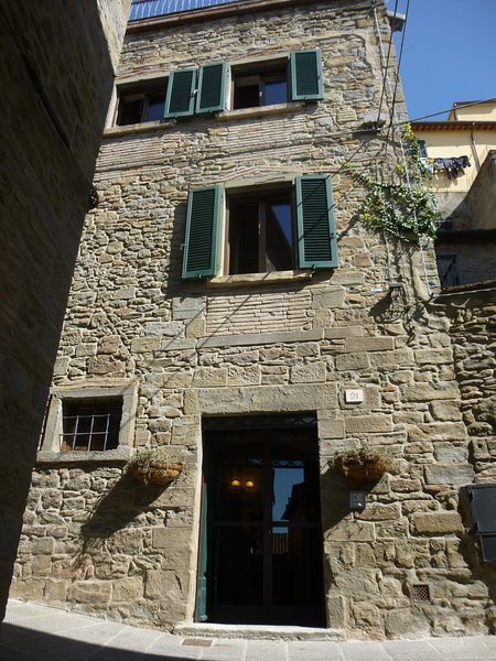Idyllic Tuscan house in heart of ancient Cortona, Ferienwohnung in Cortona