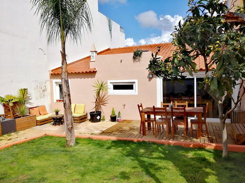 Cosy house with patio, location de vacances à Poio