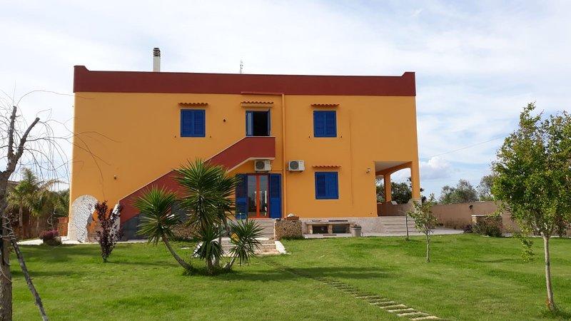 Nice property with garden & terrace, holiday rental in Baia di Gallipoli