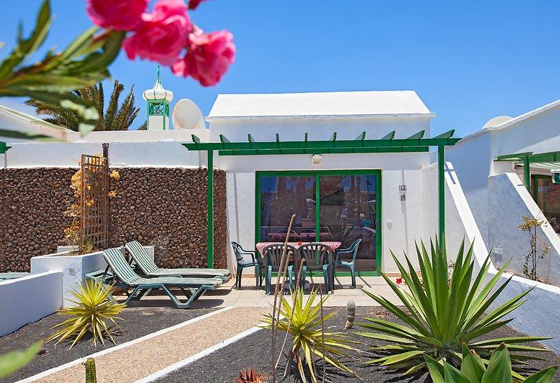 22 Jardin Del Sol - Peaceful Retreat, holiday rental in Playa Blanca