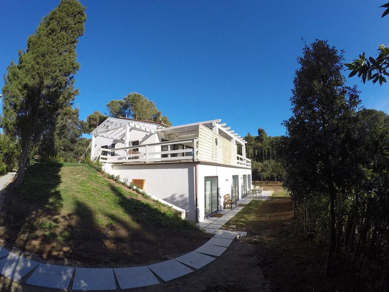 New Beach Villa on Elba island, aluguéis de temporada em Capoliveri