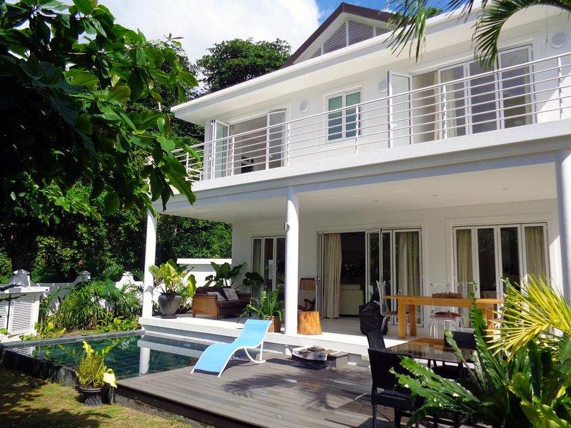 Criollo House: Private 3 bedroom villa V4, location de vacances à Mare Anglaise