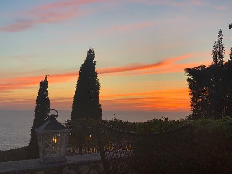 Villa Thimari - Stunning Private Luxury Villa with Magnificent Views and extras!, location de vacances à Fiscardo