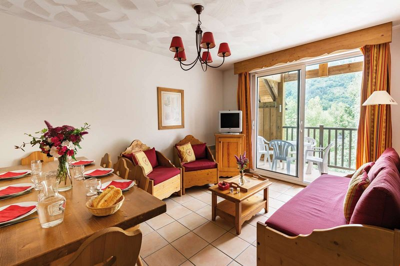 Welcome to your cozy and charming apartment for 8 in Saint-Lary!