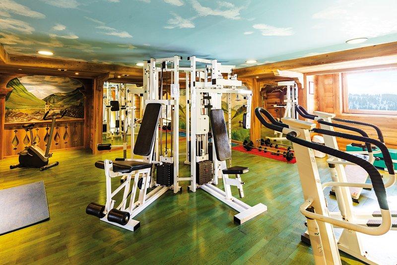 Continuez votre entraînement physique au gymnase.