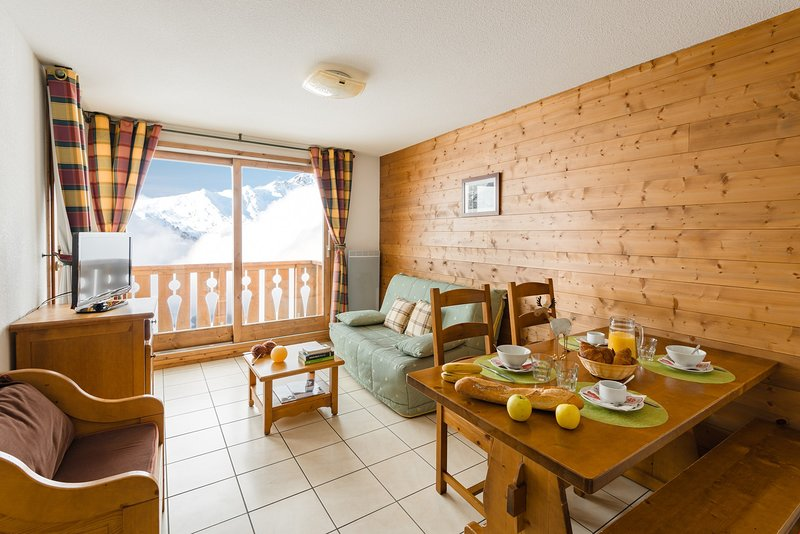 Welcome to our charming and rustic apartment in the mountains!