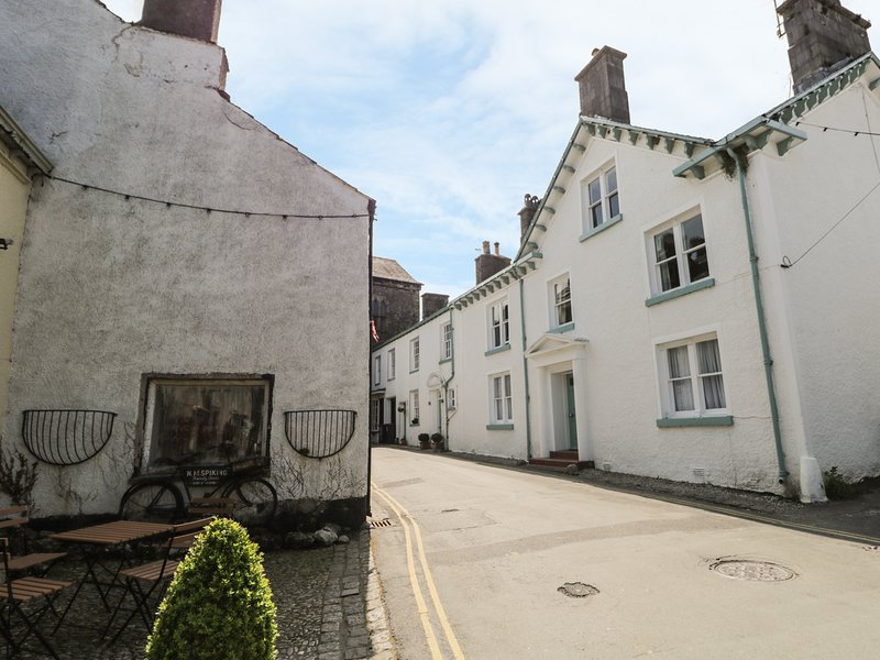 1 TOWER HOUSE, WiFi, pub nearby, luxurious décor, Ref 940193, Ferienwohnung in Cartmel