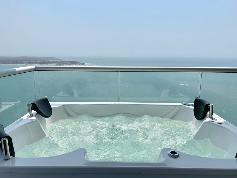 Super Luxury 1 BR Private Jacuzzi, vacation rental in Cartagena