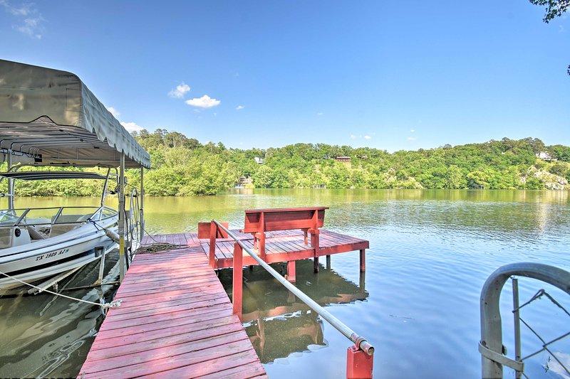 Profitez d'un après-midi sur l'eau avec accès privé au quai.