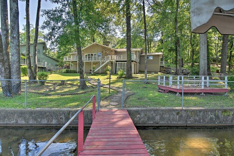 Adventure attend votre arrivée dans cette maison de location de vacances à Hot Springs!