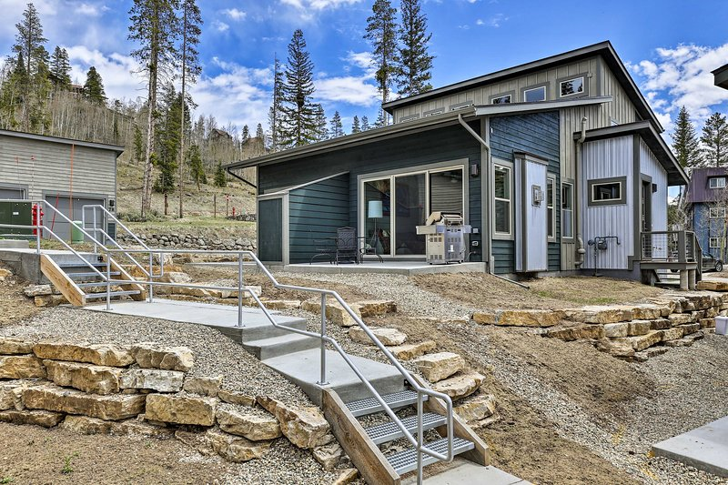 This funky Fraser townhome sits just 4 miles from Winter Park Resort.