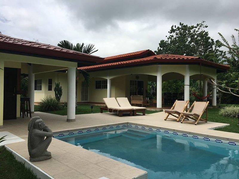 Villa del Gallo et Location de Voitures, aluguéis de temporada em Palmar Norte