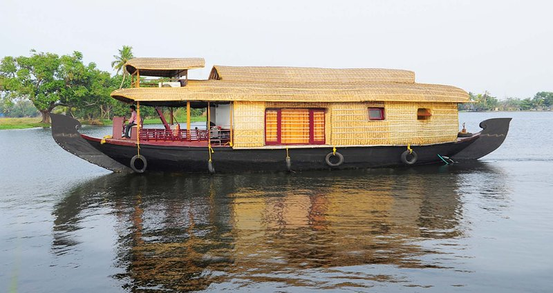 Holiday Cruize  Alleppey (Doubl Bedroom For 5 PAX), holiday rental in Alappuzha