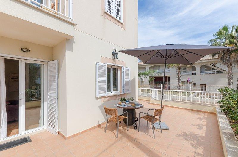 CA'N PERE ROC - Apartment for 2 people in CAN PICAFORT, aluguéis de temporada em Ca ' n Picafort
