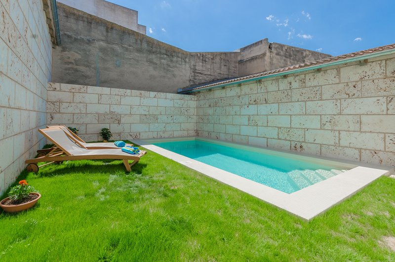 CAN TONI - Villa for 6 people in SA POBLA, vacation rental in Sa Pobla
