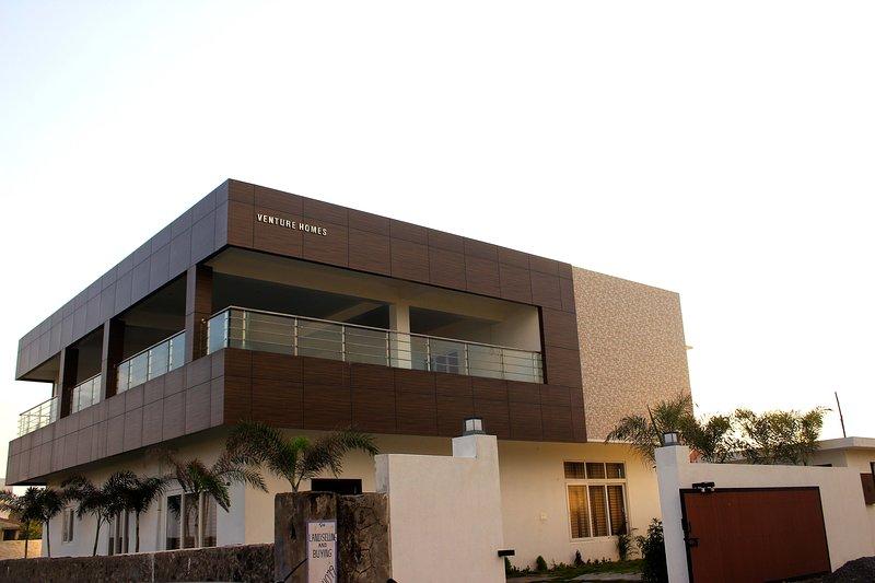 Venture Beach House ECR, holiday rental in Kanchipuram