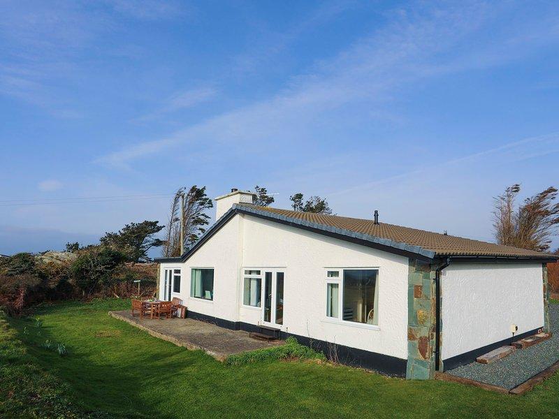 MOUNTAIN VIEW, 4 Bedroom(s), Pet Friendly, Rhoscolyn, location de vacances à Rhoscolyn
