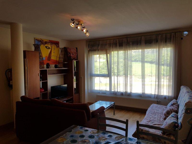 Apartamento para 4 personas 'El Mirador' Llanes, holiday rental in Puertas De Vidiago