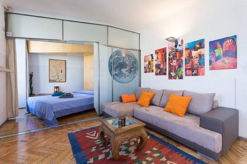 Luminoso appartamento Quadrilatero Romano, holiday rental in Marentino