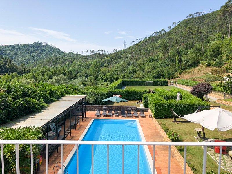 Cavanella Vara Villa Sleeps 16 with Pool and Air Con - 5801720, casa vacanza a Rocchetta di Vara