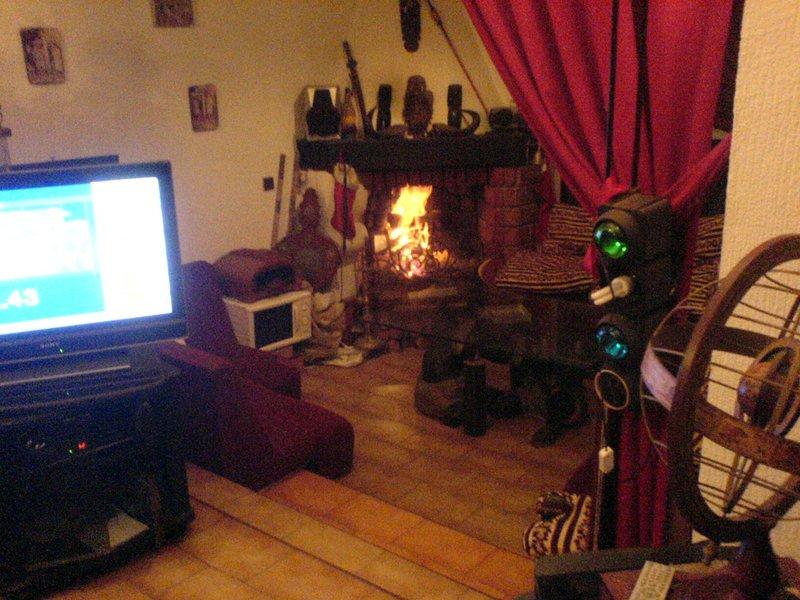 Chimenea de esquina sala de estar marroquí