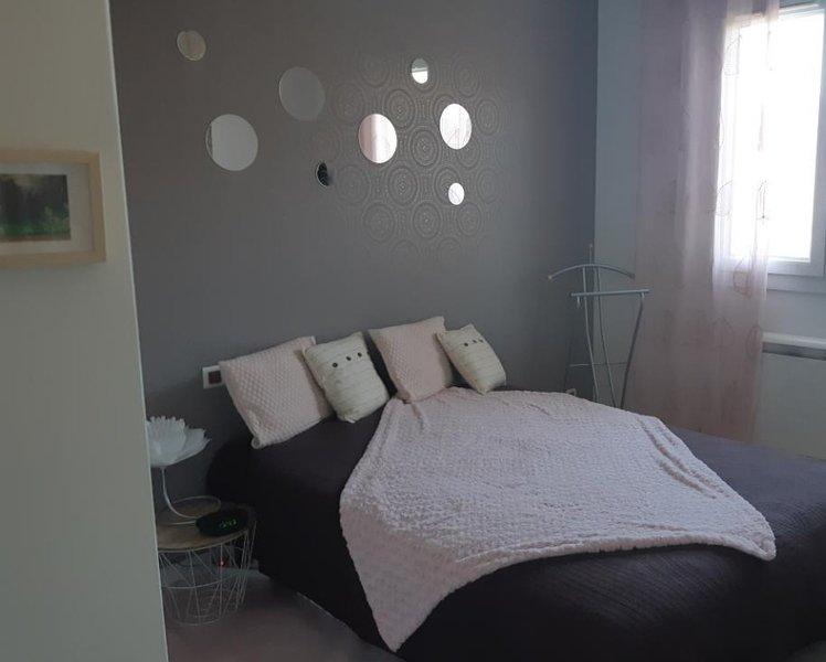 Jolie chambre d'hôte à la campagne, holiday rental in Haut-De-Bosdarros