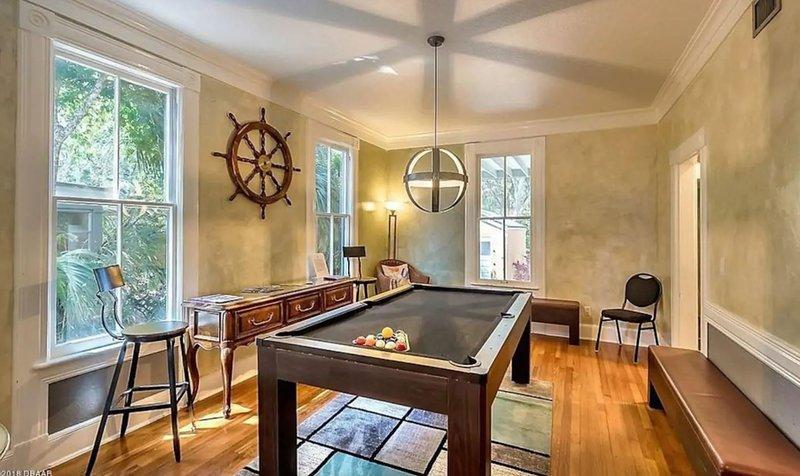 Historic Home, Marina Views, Hot Tub, Sleeps 10, Great Value, location de vacances à Daytona Beach