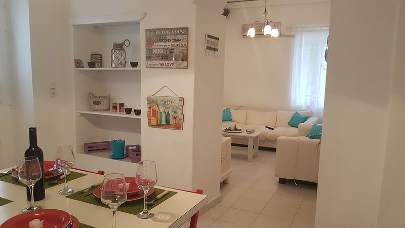 Gala Home Traditional House Naxos, holiday rental in Glinado