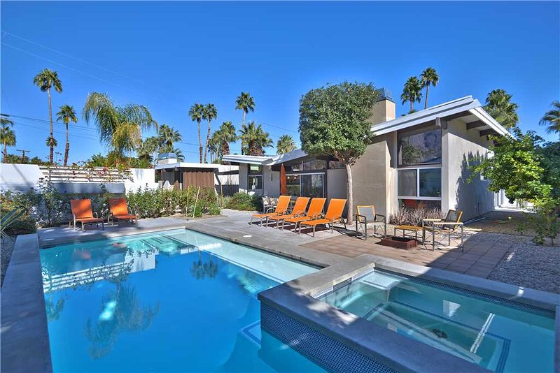 Deepwell Midcentury Butterfly, vacation rental in Palm Springs
