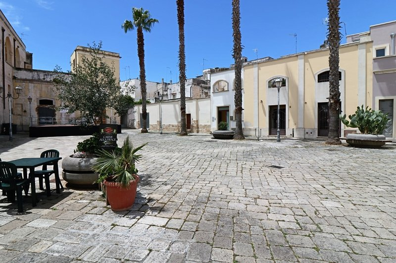 Osanna holiday home in a typical square in the historic center of Nardò, location de vacances à Cenate