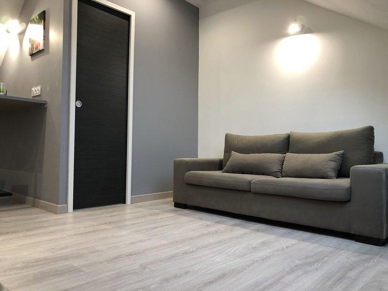 GRAND studio spacieux proche de toute commodités !, alquiler de vacaciones en Le Grand-Quevilly