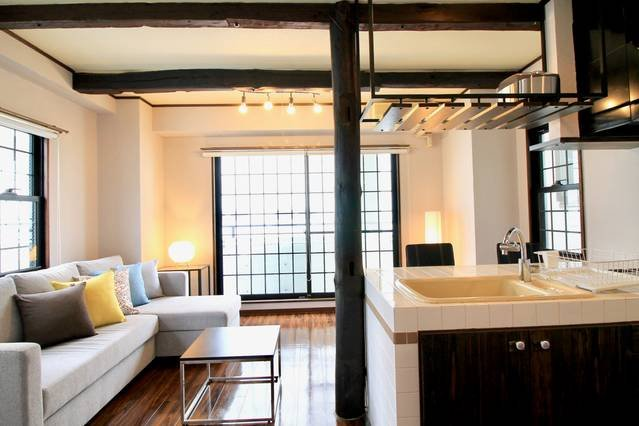 Comfortable Living room & Kitchen island & double sofa bed + 1 single floor futon